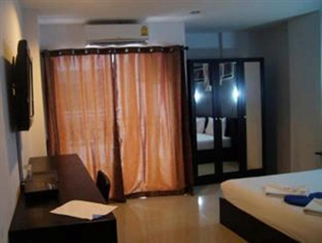 Guest house in gestione patong beach tuttocasathailandia for Piani di casa con guest house indipendente
